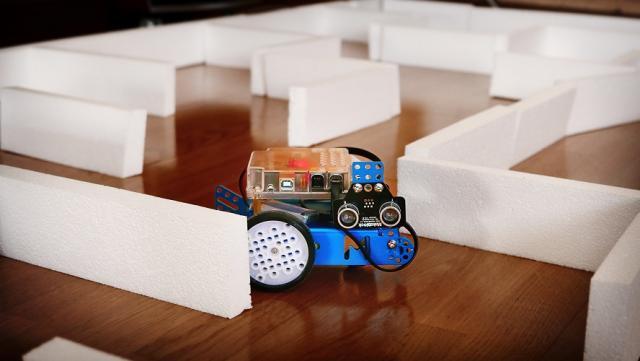 Robot mBot.